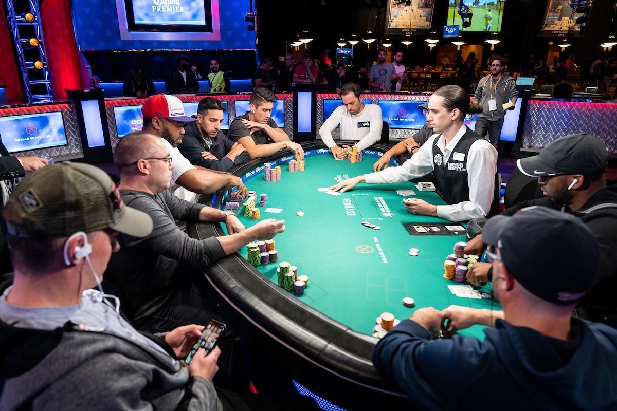 Secrets of online poker